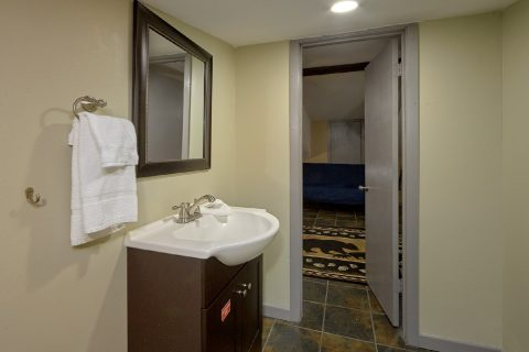 2 Bedroom 1.5 Bath Sleeps 6 - Bear Creek Hollow