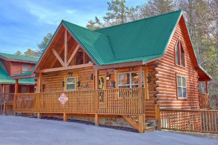 Black Bear: 4 Bedroom Sevierville Cabin Rental