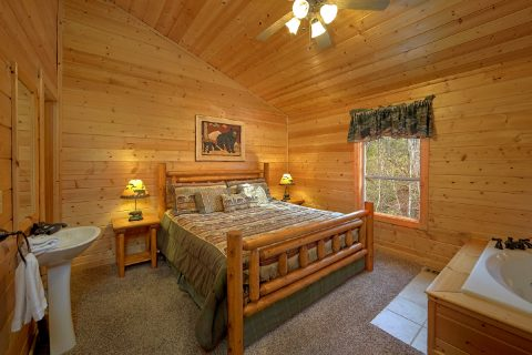 4 Bedroom Cabin with A Jacuzzi - Bear Creek Lodge