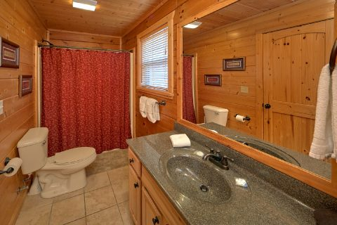 Pigeon Forge Cabin with a Main Level Bathroom - Bear Creek Lodge