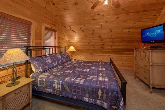 2 Top Floor King Bedrooms Gatlinburg Cabin - Bear Crossing