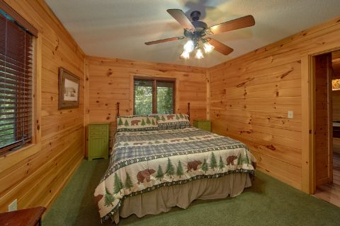 4 Bedroom Cabin Sleep 8 in Gatlinburg - Bear Crossing