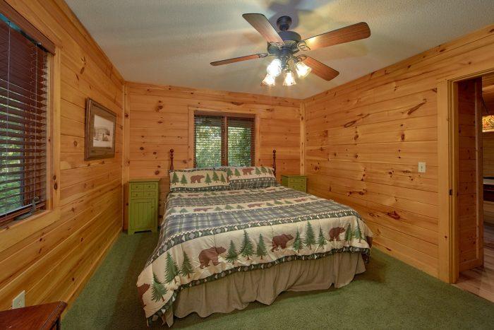 4 Bedroom Cabin Sleep 8 in Gatlinburg - Bear Crossing