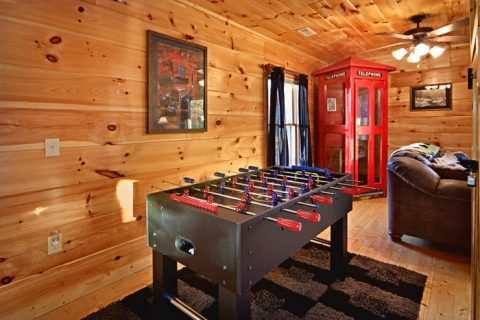 Gatlinburg Cabin with Foosball Table in Game Roo - Bear Footin In The Smokies