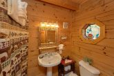 2 Full Bath Rooms 1 Bedroom Cabin