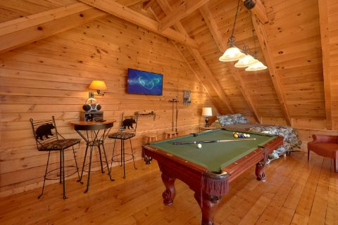 Open Loft Game Room - Bear Heaven