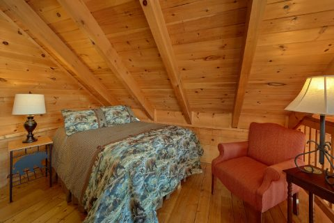 1 Bedroom Cabin with Extra Bed in Loft - Bear Heaven