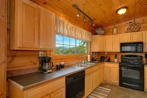 Smoky Mountain Cabin Spacious Kitchen - Bear Hugs