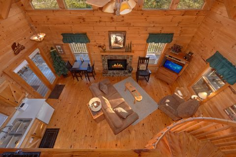 Comfortable 1 bedroom Cabin Sleeps 4 - Bear Hugs II