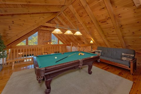 Open Loft with Pool Table 1 Bedroom Cabin - Bear Hugs II
