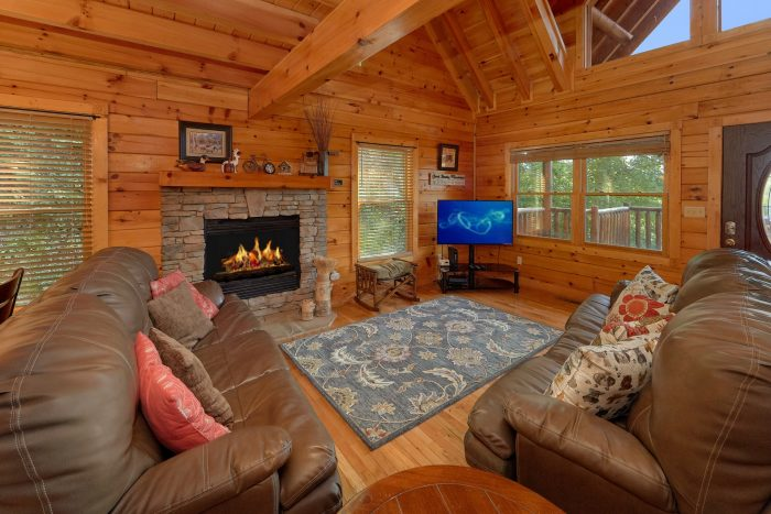 3 Bedroom Wears Valley cabin with Fireplace - Bear Mountain Lodge