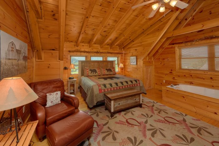 3 Bedroom Cabin with King Master Bedroom - Bear Mountain Lodge