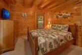 Cabin with 2 King bedrooms and 1 queen bedroom