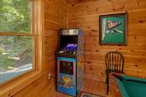 3 Bedroom cabin with Pool Table and Arcade Game