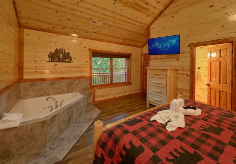 6 Bedroom Cabin with 2 Master Suites - Bear Paddle Lodge