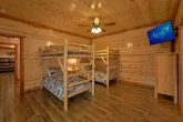 6 Bedroom Cabin with Kids Bunk Bedroom