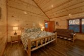 Spacious 6 Bedroom Cabin Sleeps 20