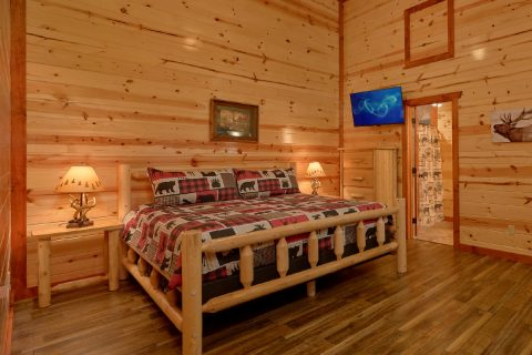 6 Bedroom with 5 King Beds and 6 Full Baths - Bear Paddle Lodge