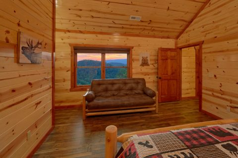 Comfortable 6 Bedroom Cabin TV all Room - Bear Paddle Lodge
