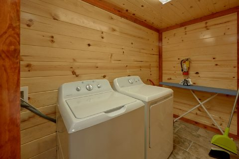6 Bedroom Pool Cabin with Laundry Room - Bear Paddle Lodge