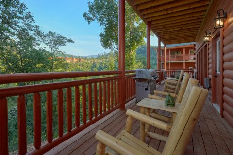 6 Bedroom Cabin Rocking Chairs on Cover Deck - Bear Paddle Lodge