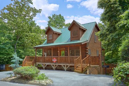 Oakland #1: 3 Bedroom Sevierville Cabin Rental