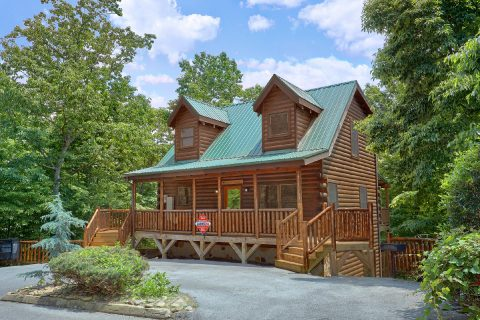 Featured Property Photo - Bear Pause Cabin