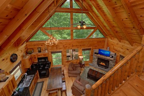 3 Bedroom Cabin with a Loft - Bear Pause Cabin
