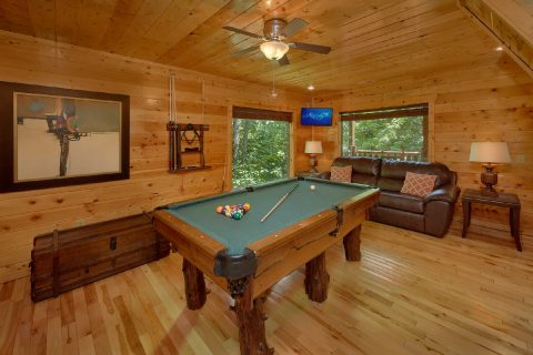 3 Bedroom Cabin with a Billiards Table - Bear Pause Cabin