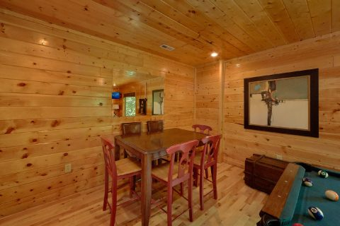 3 Bedroom Cabin with a Game Room - Bear Pause Cabin