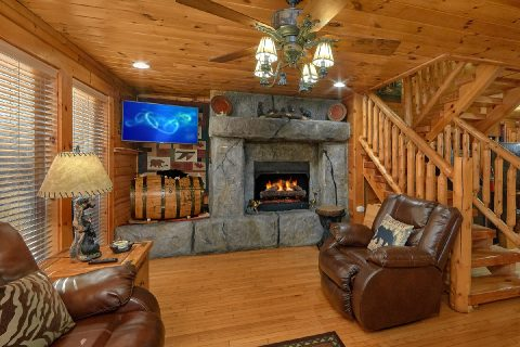 2 Bedroom cabin with Fireplace in living room - Bear Paw Bridge