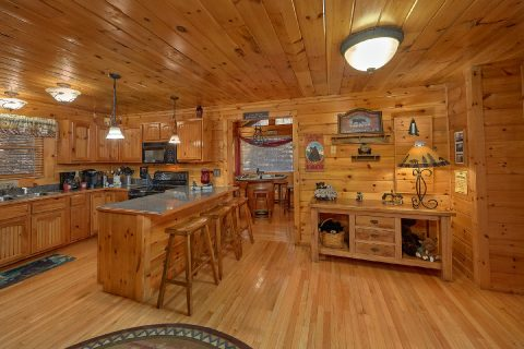 2 bedroom Gatlinburg cabin with spacious kitchen - Bear Paw Bridge