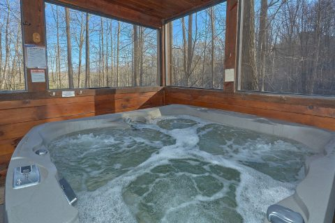 Private Hot Tub at Premium Gatlinburg cabin - Bear Paw Bridge