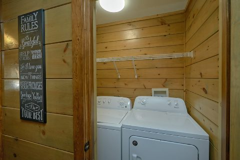 4 Bedroom Cabin with Full Size Washer / Dryer - Bear Paws
