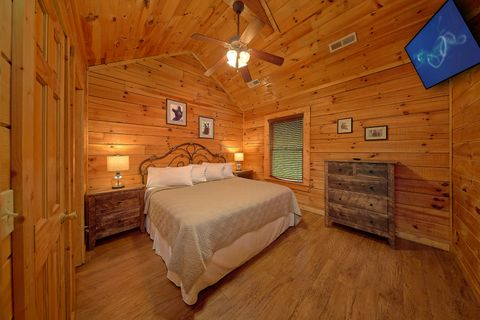 Cabin with King Sized Bedroom - Bear Shack