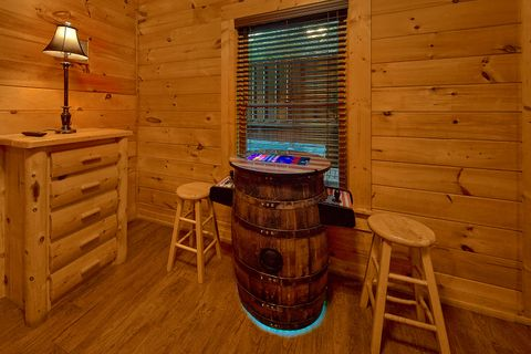 Hot Tub with Privacy Wall - Bear Shack