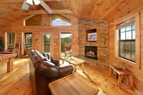 1 Bedroom Fully Furnished Cabin Near Dollywood - Bear Tracks