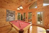 1 Bedroom Cabin with a Luxurious Pool Table
