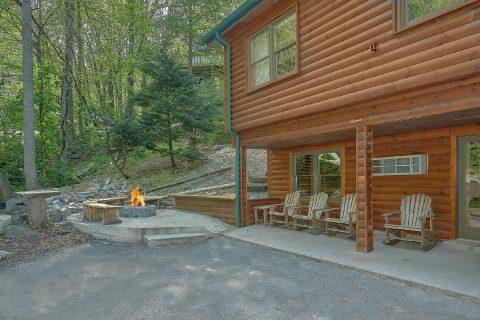12 Bedroom Cabin in Chalet Village - Bearadise Lodge