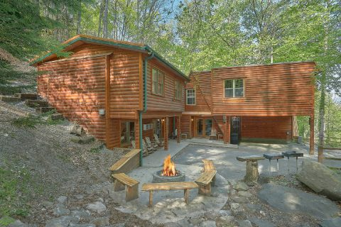 Featured Property Photo - Bearadise Lodge