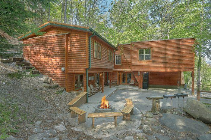 Bearadise Lodge Cabin Rental Photo