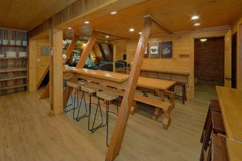12 Bedroom Cabin Sleeps 47 Gatlinburg - Bearadise Lodge