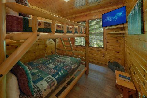 Bunk Bed Rooms 12 Bedroom Cabin - Bearadise Lodge