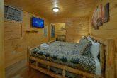 Large 12 Bedroom cabin Sleeps 47