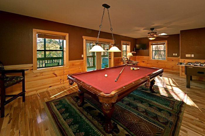 Cabin with Billiard Room - Bear-E-Nice
