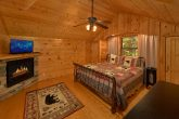 Top Floor Master Suite 3 Bedroom Cabin