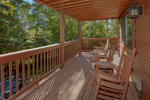 Covers Deck with Rocking Chairs 3 Bedroom - Bearfoot Dreams
