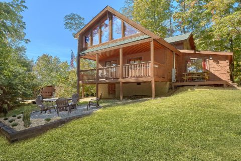 3 Bedroom with Yard and Fire Pit - Bearfoot Dreams