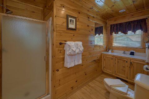 2 Bedroom 2 Bath Sleeps 8 - Bearfoot Haven