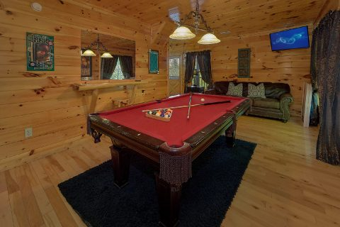 2 Bedroom with Game Room Pool Table - Bearfoot Haven